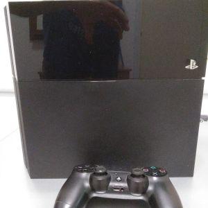 PlayStation 4 μαζι με χειριστήριο πωλειται σε καλη κατασταση,τιμη 200 ευρο συζητησιμη.