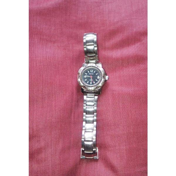 Ρολόγια χειρός γυναικεία - αγγελίες σε Κυψέλη - Vendora.gr e7b435a25fa