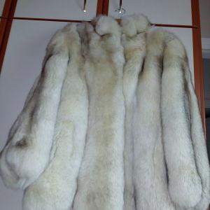 Πωλειται γουνα ρεναρ λευκη