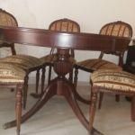 Τραπεζαρία με έξι καρέκλες