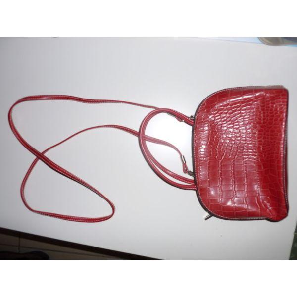68c3eb3323 τσαντουλα κοκκινη - αγγελίες σε Μελίσσια - Vendora.gr
