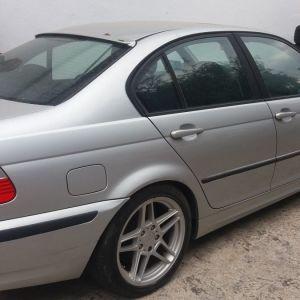 Πωλείται τρακαρισμένο BMW