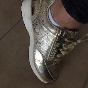 998451b059 Sneaker πανάλαφρο κι άνετο!