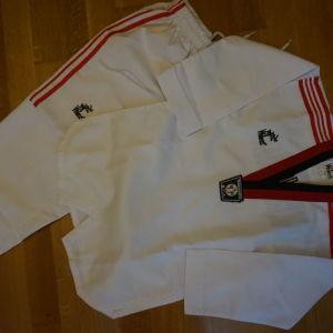 ολοκαινουργια φορμα tae kwon do