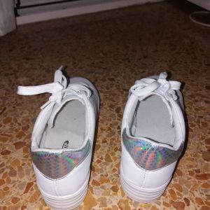 Sneakers λευκά ολοκαίνουρια