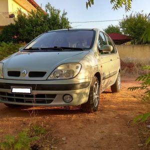 Renault Scenic '01 - € 2.900