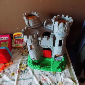 καστρο μεγαλο