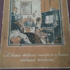 Πωλειται παλιο συλλεκτικο Μουσικο Βιβλιο με τραγουδια