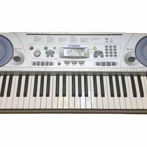πωλειται  Clavier YAMAHA PSR 275 Music Passion ελάχιστα χρησιμοποιημένο.