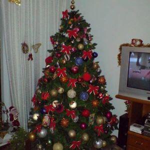 Χριστουγεννιάτικο δέντρο ποιοτικής κατασκευής