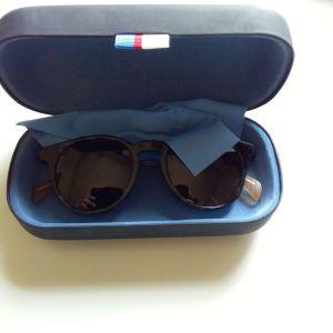 Γυαλιά ηλίου Tommy Hilfiger αχρησιμοποίητα με πιστοποιητικό αυθεντικότητας  550 ευρώ η αγορά τους με εκπληκτικό φακό 7f2c1e13ec6