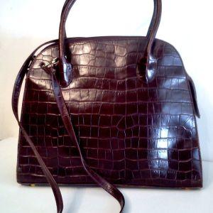 Τσάντα από σταμπωτό δέρμα κροκό