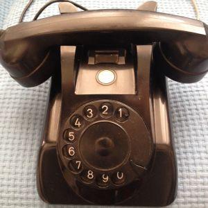Τηλέφωνο παλαιού τύπου