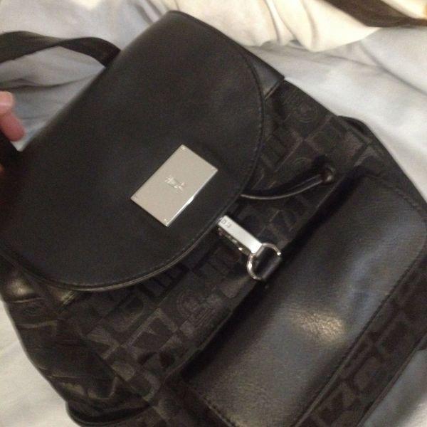 a545bfc18c8 KEM τσάντα πλάτης - € 40 - Vendora.gr