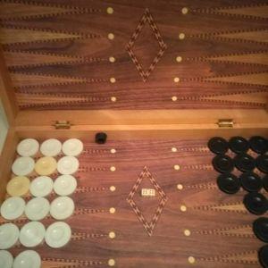 Τάβλι ξύλινο,πλήρες,αψογο!!!