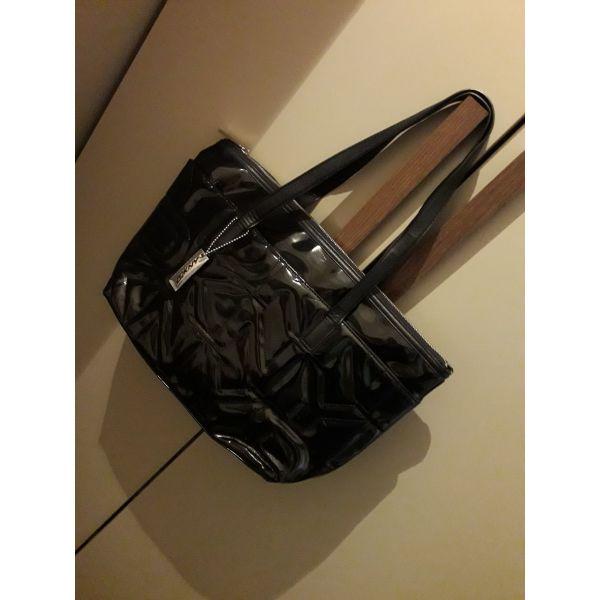 4607f0a51f tsanta mavri afthentiki loustrin donna karan (me logotipo tipomeno stin  exoteriki plevra). Τσάντα μαύρη ...
