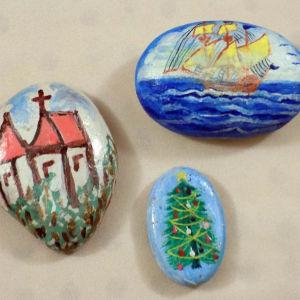 3 ζωγραφιστες πετρες