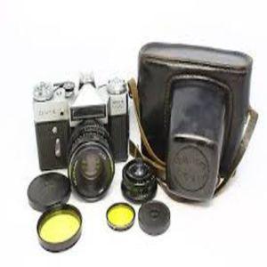 ΣΠΑΝΙΟ ΚΟΜΜΑΤΙ. Αναμνηστική φωτογραφική μηχανή: Αυτό το Zenit E Special Edition δημιουργήθηκε για να προωθήσει τους Ολυμπιακούς Αγώνες του 1980 που πραγματοποιήθηκαν στη Μόσχα.