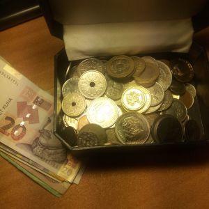 Συλλογή ξένων και ελληνικων χαρτο-νομισματων
