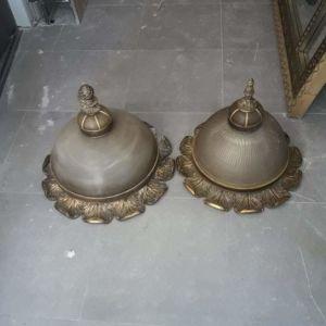 Πλαφονιέρες οροφής με ξυλόγλυπτη λεπτομερεια χρυσή πατίνα γυαλί και μπρούντζο