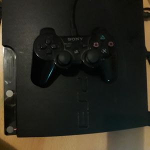 playstation3 + 6 παιχνίδια δώρο