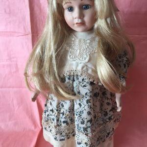 Πίπα κούκλες