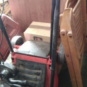 Κουρευτική μηχανή για γκαζόν