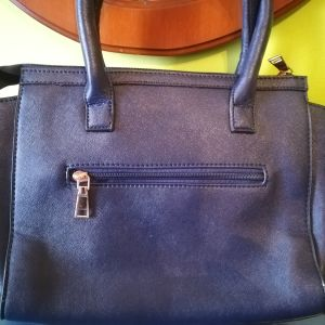 906abefe3a NEW Γυναικεία Τσάντα με λουρί χιαστί σε σκούρο μπλε απόχρωση