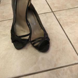 c9a5f85683 Παπούτσια γυναικεία Prada - € 30 - Vendora.gr