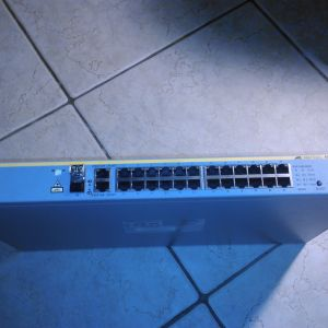 Allied Telesis AT 8000S - 24 ports