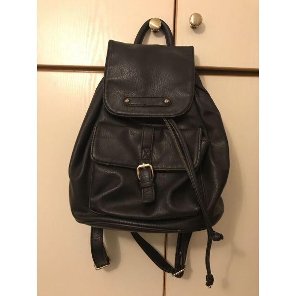 2c47f8b2294 Τσάντα πλάτης - € 10 - Vendora.gr