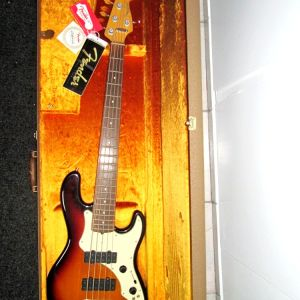 Fender ROSCOE BECK V Signature Electric Bass