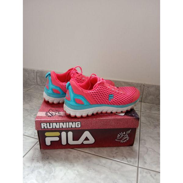 0f753ca4bd6 ginekia athlitika papoutsia Fila, noumero 37 elafros metachirismena. Γυναικεία  αθλητικά παπούτσια ...