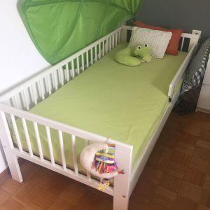 2599b51a01c Πωλείται κρεβάτι μετατρεπόμενο από βρεφικό… - € 300 - Vendora.gr