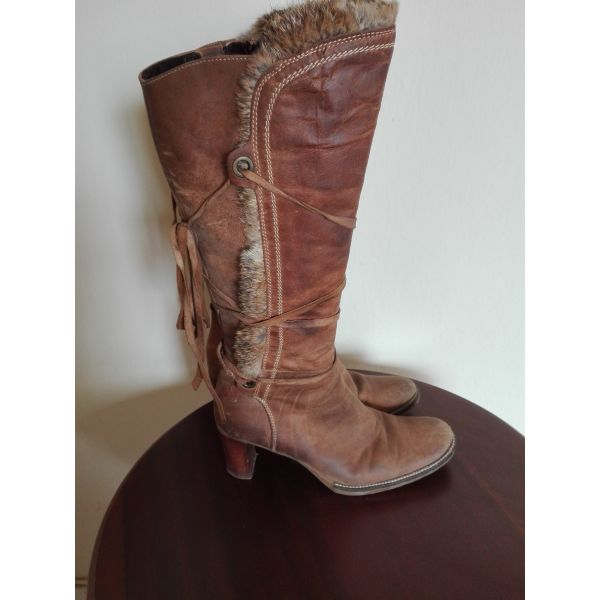 162bbc0105 Μπότες ταμπά δέρμα - γούνα Νο 37  κωδ. 1008  - € 20 - Vendora.gr