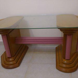 τραπέζι σαλονιού με τζαμί