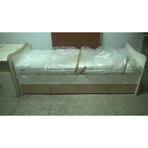 9b8505d5c52 vrefiko/pediko krevati me stroma ke komodino. Βρεφικό/παιδικό κρεβάτι ...