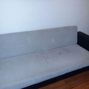 Τριθεσιος καναπές που γίνεται κρεβάτι με αποθηκευτικό χωρο