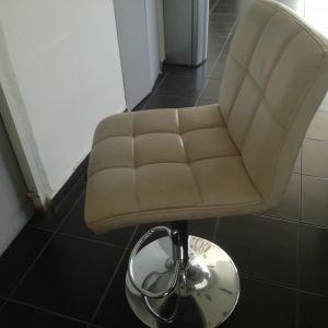 Καρέκλα για μανικιούρ - πεντικιούρ δερμάτινη με ρυθμιζόμενο ύψος