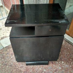 Κομοδίνο μαύρο ξύλινο