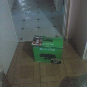 Xbox one 500gb+παιχνιδι
