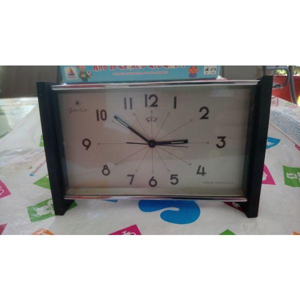 Επιτραπέζιο ρολόι ξυπνητήρι - αγγελίες σε Θεσσαλονίκη - Vendora.gr 0ca15cf0675