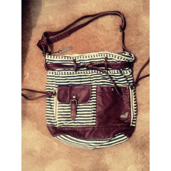 1111040723 Τσάντα ώμου - χιαστί ROXY - αγγελίες σε Πάτρα - Vendora.gr