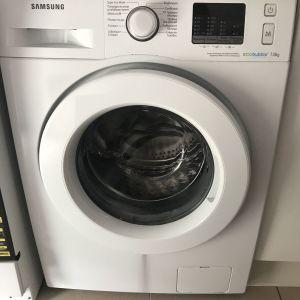 Πωλείται πλυντηριο!!