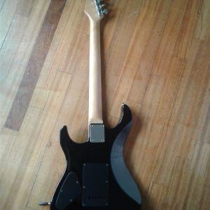 Μεταχειρισμένη ηλεκτρική κιθάρα σε καλή κατάσταση (λόγω ανάγκης)