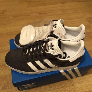 Adidas , grey gazelle no.38