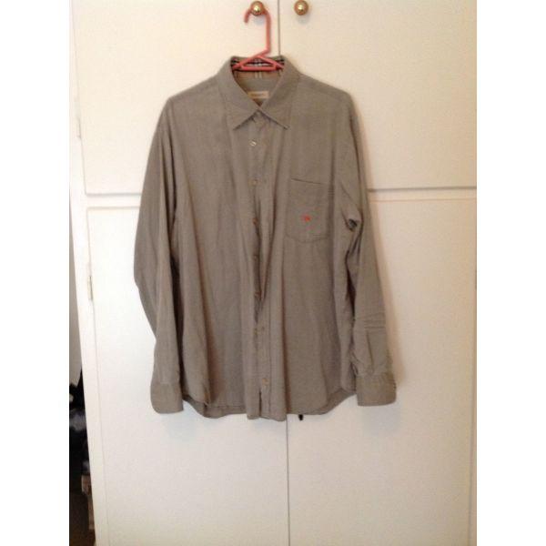 10114d973690 μεταχειρισμενα 2 BURBERRY ανδρικά πουκάμισα. 2 BURBERRY andrika poukamisa