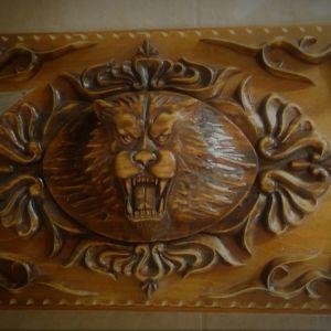 ταβλι χειροποιητο με αναγλυφο σκαλιστο λιονταρι