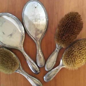 Vintage σετ ομορφιάς με καθρέπτες και βούρτσες από ασήμι