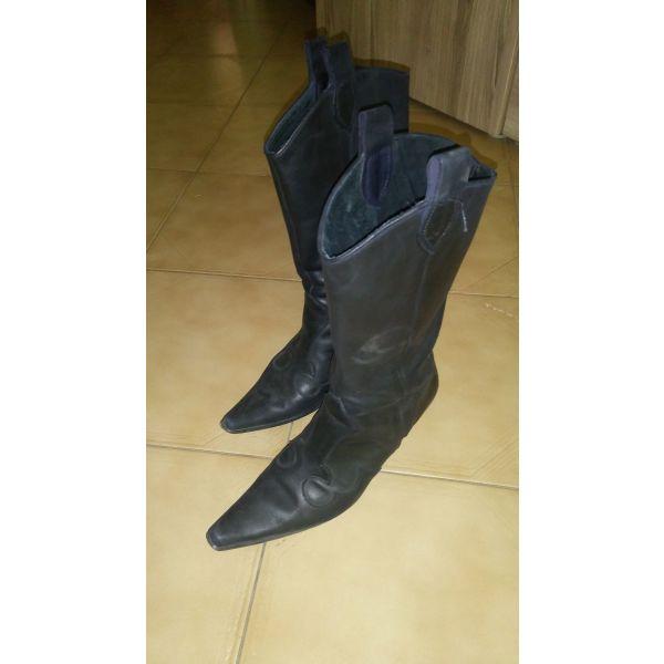 4d928204bbd Δερμάτινες μαύρες μπότες - € 55 - Vendora.gr